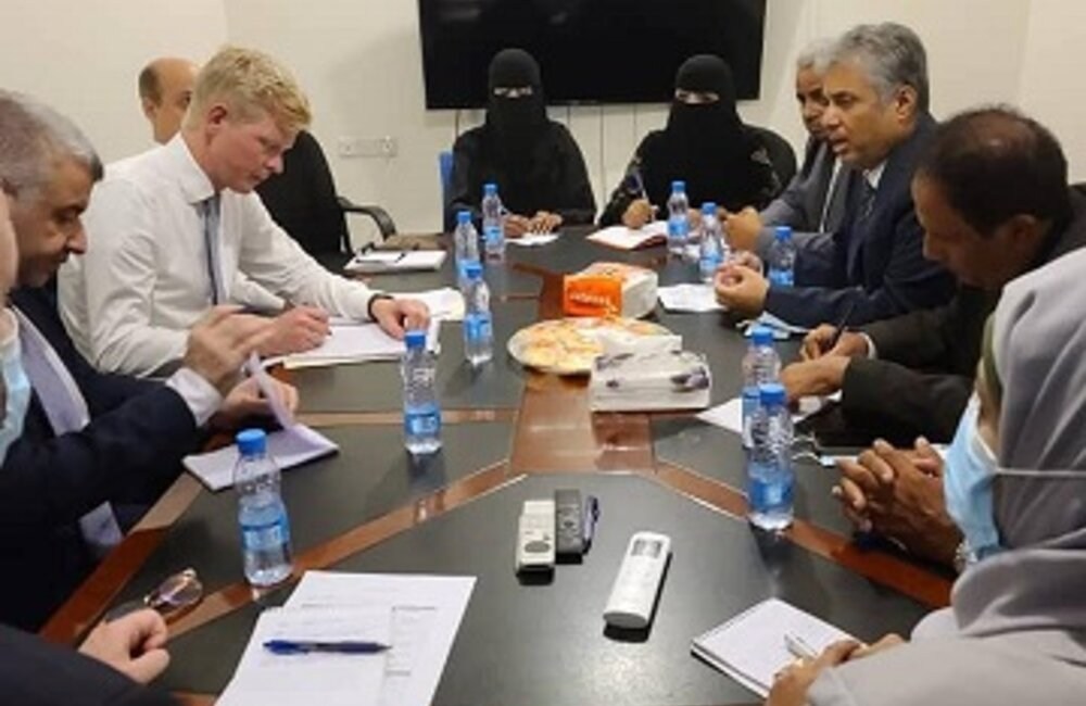 UN Special Envoy for Yemen Hans Grundberg meets with representatives of the Inclusive Hadramout Conference in Aden. Photo by: Inclusive Hadramout Conference Facebook Page