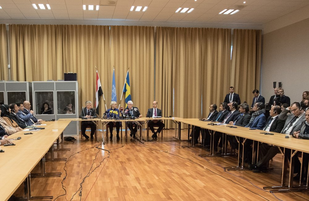 For the first time in more than two years, delegations of the Government of Yemen and Asnar Allah were present at the same table, for the opening of the political consultations, in Rimbo on December 6th. (Photo Credit: Ninni Andersson/Government Offices of Sweden)