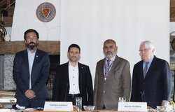 Martin Griffiths, UN Special Envoy for Yemen and Fabrizio Carboni, Regional Director for the Near and Middle East of the International Committee of the Red Cross ( ICRC ) and Abdul Qader al-Mutada ( second lelt ) and Hadi Haij ( second right ) of Goverment ( during the closing plenary of the meeting of the Supervisory Committee on the Implementation of the Prisoner's Exchange Agreement in Yemen today at the Victoria Hotel in Glion in Switzerland. 27 September 2020. Photo by: UN Photo/Jean Marc Ferré